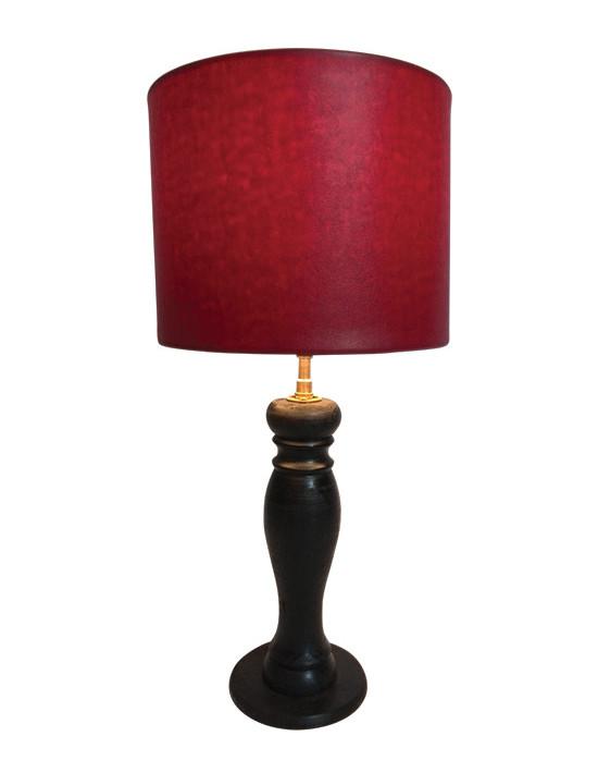 Lampe avec abat-jour cuir rouge