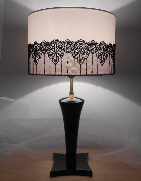 lampe bois avec abat jour dentelle