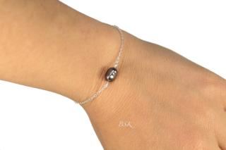 Bracelet simple une perle noire