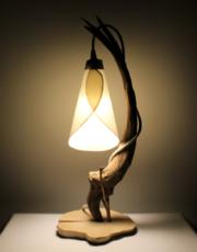 Lampe bois flotté à abat-jour suspendu
