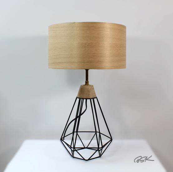 Lampe design abat-jour bois et pied structure metal